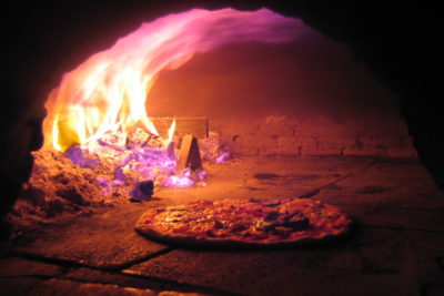 pizza-on-furnace-eat&walkitaly